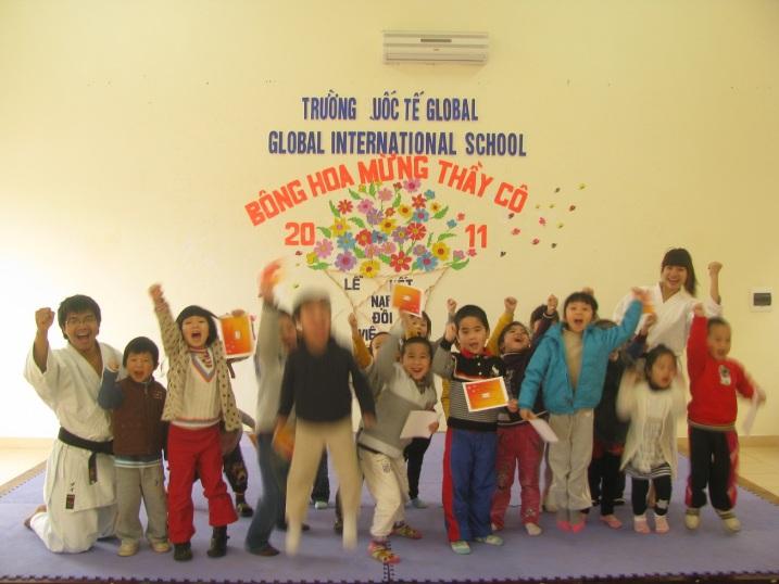 CLB Karatedo VietNhatClub Giao luu voi truong Quoc te Global